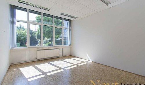 Büro III (Musterfoto)