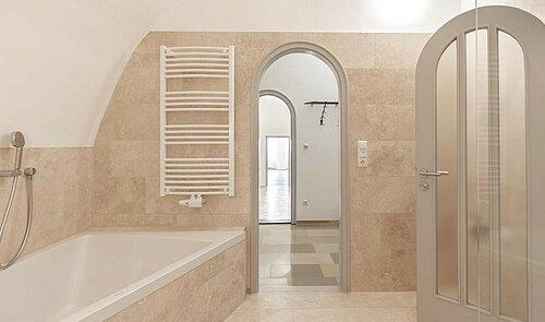 Das moderne, zeitlos elegante Bad mit Dusche