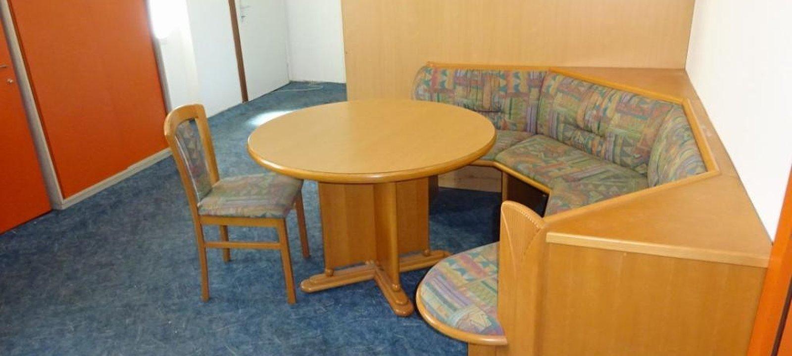 Sitzecke im angrenzenden Büroraum