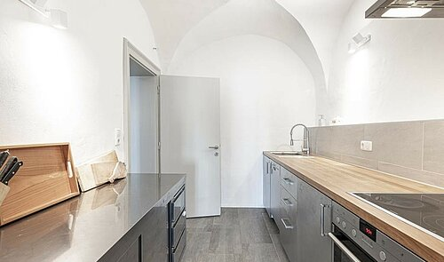Modern gestaltete Küche 1. OG