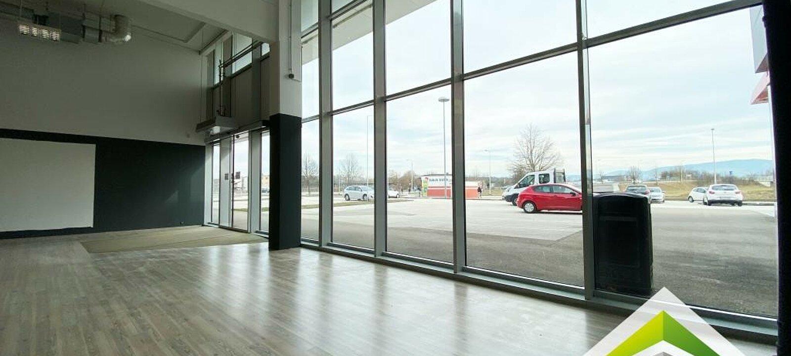 Schaufensterfront - Innenansicht