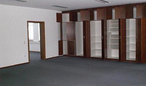 Büroraum mit Einbauschrank