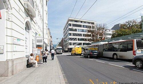 Blick auf Landstraße
