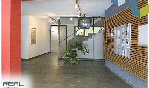 Eingangsbereich Gebäude III