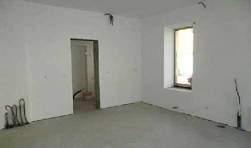 Zugang zum Abstellraum und WC